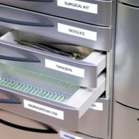 DYMO D1 Schriftbandkassette schwarz/weiß, 12 mm x 7 m